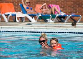 Campsites with swimming pools on the isle of wight for Isle of wight campsites with swimming pool